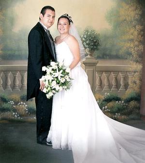 Sr. Juan Antonio Lozano Zamora y Srita. Adriana Berenice Daza Zamora contrajeron matrimonio religioso en la capilla dell Centro Saulo el sábado 18 de junio.