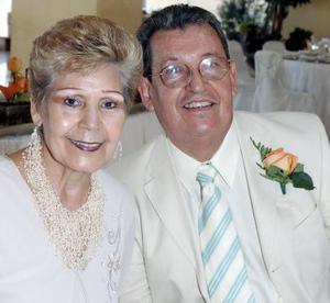 Alicia Pámanes de Haro y Rodolfo Haro.