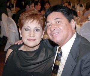 Estela de López y Héctor López.