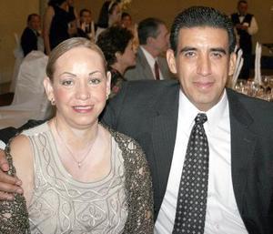 Gina de Cedillo y Felipe Cedillo.