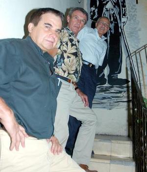 José del Bosque, Juan López y Raúl Charara.