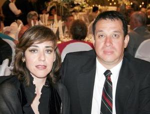 Laura Cuerda de Martínez y Humberto Moreira Martínez Payán.