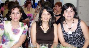 Rosa García de Martínez, Claudia Reed de Rebollo e Hilda de Fernández.