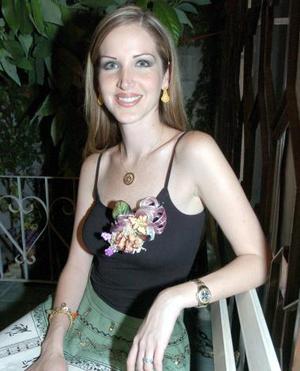 María Fernanda Gutiérrez Guerra contraerá nupcias con Jaime Burnes, y por ello fue despedida de su vida de soltera.