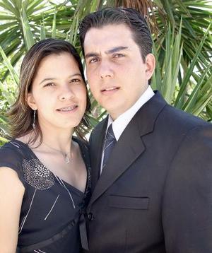Lic. Arturo Ramírez Álvarez e Ing. Ingrid Lisbette Ávila Hernández efectuaron su presentación religiosa.