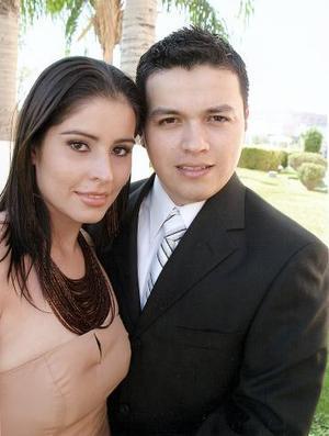 Sr. Luis A. Pulido Contreras y Srita. Nelly J. Blackaller Velázquez efectuaron su presentación religiosa.