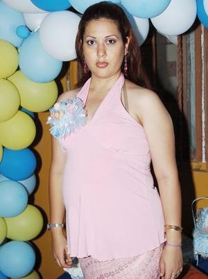 Lucero Ochoa de Azpilcueta recibió múltiples felicitaciones de sus familiares y amigas, en la fiesta de canastilla que le ofrecieron por el cercano nacimiento de su hijito.