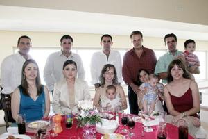 Beto y Jackie Molina, Israel y mayra de De Cayón, Ramón y Lizette Helguera, Ana Tere y Genaro Torres, Francisco y Paty De Cayón.
