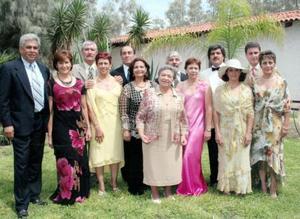 Ernesto de la Fuente y Patricia Mojica  de De la Fuente, Jesús Vallejo y Rosy Mojica de Vallejo, Mario Mojica e Ixta Marín, Yolanda Rodríguez, entre otros.