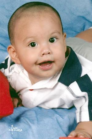 El pequeño Raúl Alejandro Ontiveros Fraire, captado en una foto de estudio.