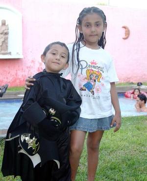 Érick Froylán y Argelia Pérez Silva festejaron su cuarto y octavo cumpleaños, respectivamente, con una fiesta organizada por sus padres, Froylán y Argelia Pérez.