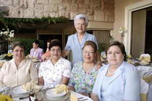 Águeda de Lamas, Ana María Martínez de Murra, María Hilda González, Carmelita de Camacho y Lulú de Santibáñez.