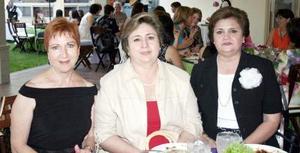 Carmelita Herrea, Ale de Jaik e Irma de Sosa.