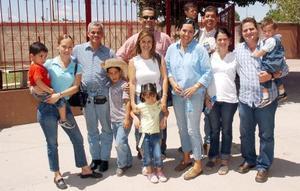 Familias Martínez Ramírez, López Motola, Ramírez Rodríguez y Lugo Ochoa.