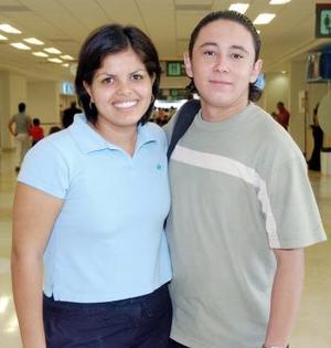 Patricia Mena y Víctor Correa viajaron a Campeche.