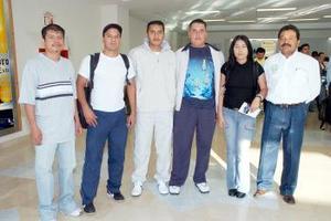 <B>02 de septiembre 2005</b><p>  Yesenia García, Antonio Delgado, Damián Alvarado, Enrique Sánchez y Eduardo López viajaron a Francia, los despidió Nathanael Flores.