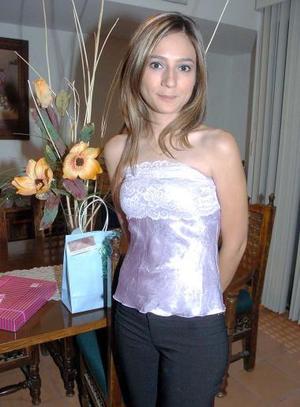 Jéssica Díaz Flores Nájera en su despedida de soltera.