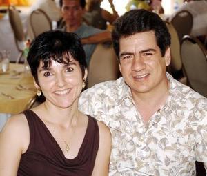 <b>01 de septiembre 2005</b><p> Rosa y Andrés Bello.