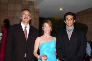 Armando Vargas, Elsa Vargas y Armando Vargas.