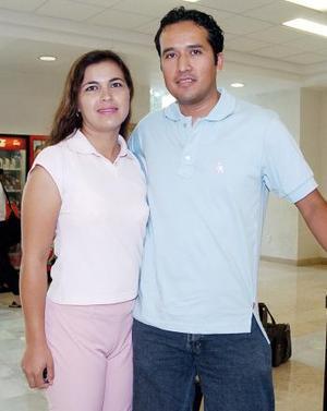 Silvia Guerra y Alejandro Luna viajaron con destino a Campeche.