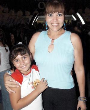 Yolanda Sandoval y Anilú Dávila.