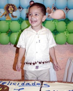 Luis Alberto Morales Vega cumplió tres años de vida y los festejó con un agradable convivio que le ofrecieron sus papás, Luis Alberto Morales Cortés y Ana Laura Vega de Morales.