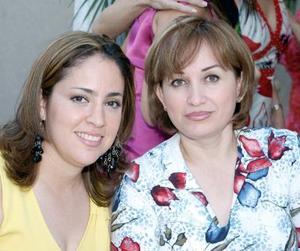 Nena Delgado y Selina de González.