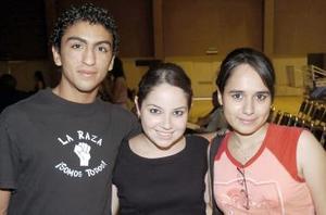 Fernando Moreno, Alejandra Cuéllar y Adriana  Ortiz.