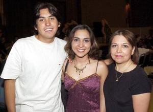 René Ríos, Claudia Ríos y María Esther Ríos.