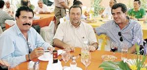 Hugo de la Mora, Gerardo Martín Soberón y Luis de la Rosa Córdova.