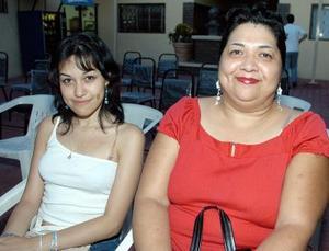 Idalia Domínguez y Karla Gabriela Pérez.