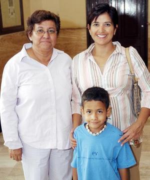 Ruth Montero, Jahaziel Ramírez y Cinthia Gaspar.