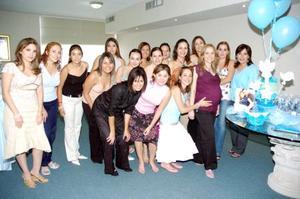Karime Jalife de Ramos, en compañía de sus amigas.