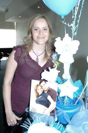 Karime Jalife González disfrutó de una fiesta de regalos.