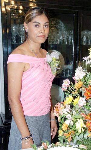 <b>05 de septiembre 2005</b><p> Saraí Núñez Olivares, el día de su despedida de soltera.