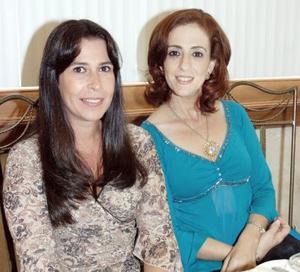 Carla Serhan de Martínez y Linda Handal.