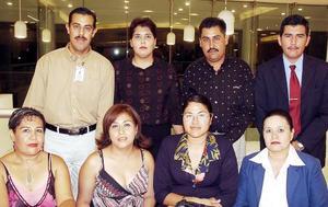 Edelmira Gómez, Juanis Martínez, Mariano Palomares, Mariano Martínez, Fátima Martínez, Araceli Gutiérrez, Ricardo Cyvorrord y Berenice Ramírez.