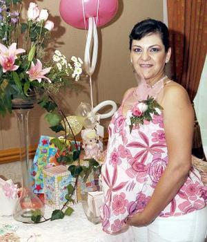 <b>07 de septiembre</b><p> Elizabeth Arroyo de Castro captada en su fiesta de regalos.