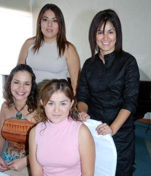 Jéssica Guzmán, Daniela Martínez, Amy de Mejía Ana T. González.