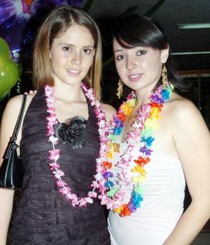 <b>07 de septiembre 2005</b><p> Vicky Zepeda y Brenda Gutiérrez.