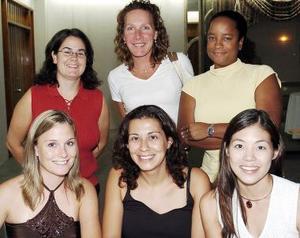 Emily Skelding, Claudia Rodríguez, Leila, Kellie, Kelley Freeman y Karen Ebanks.