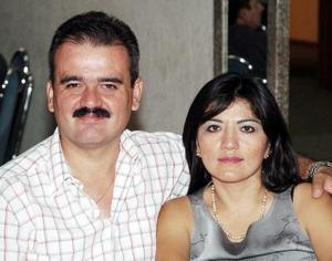 Antonio Núñez y Alma Tovar de Núñez.