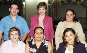 <b>09 de septiembre 2005</b><p> Concha Harper, Alicia Luévano, Patricia Espadas, Rafael García, Susana Estens y Gabriela Lazalde.