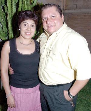Patricia Gándara de Gómez y Julián.