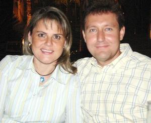 Rocío y Carlos González.