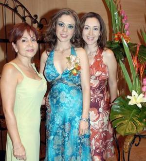 <b>10 de septiembre 2005</b><p> Tere acompañada de Cristina Pérez de De Alba y Blanca Ruiz Estrada.