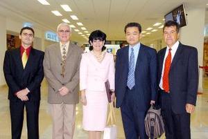 Del DF arribaron Leticia Sollano y Jorge Tanaka, los recibieron Apolo, Domingo y Luis