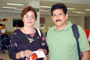 A San Diego California viajaron Juan Rosani y Lilia Valdez