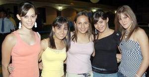<b>12 de septiembre 2005</b><p> Vivi, CInthia, Pava, Carla y Paulina.