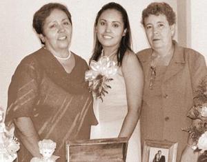 <b>11 de septiembre 2005</b><p> Romy Adame de Castillo y María Elena Martínez de Vázquez, le organizarón una despedida de soltera a Ana karina Castillo Adame.